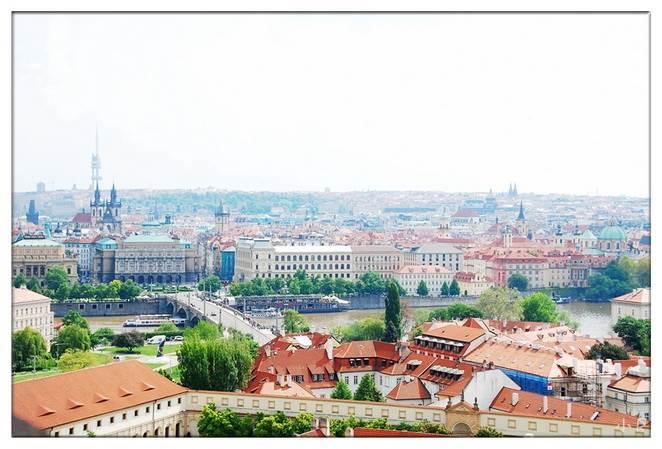 从布拉格城堡俯瞰1.jpg