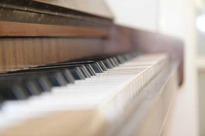 piano-623189.jpg