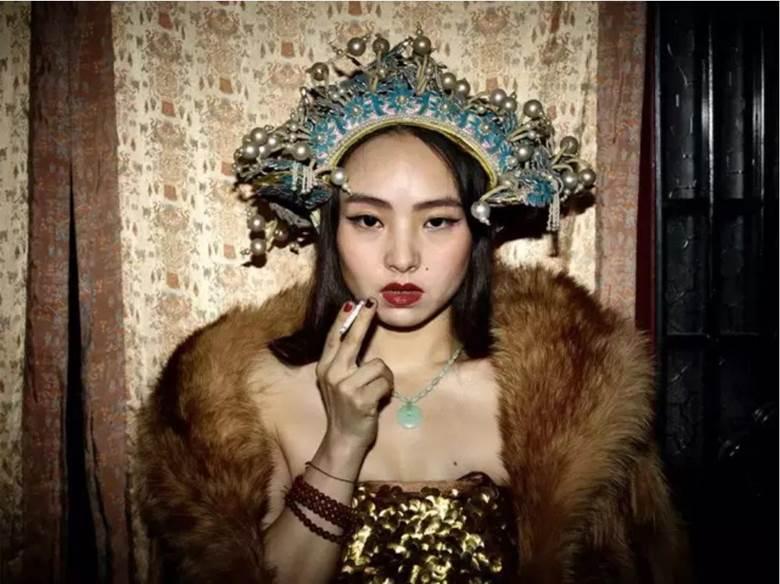 © PIETER HUGO, Zeng Mei Huizi, Beijing, 2015-2016. Courtesy of Pékin Fine Arts (Beijng & Hong Kong).png