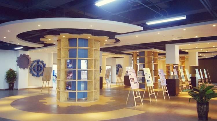 创业工场展示区照片.jpg