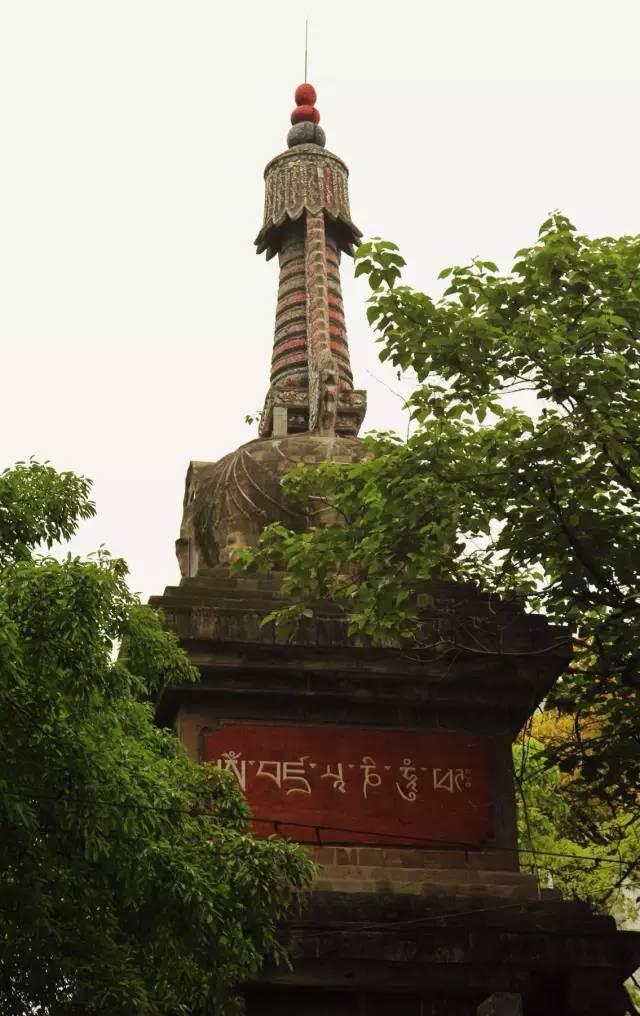菩提金刚塔的建立与前者的关系密不可分
