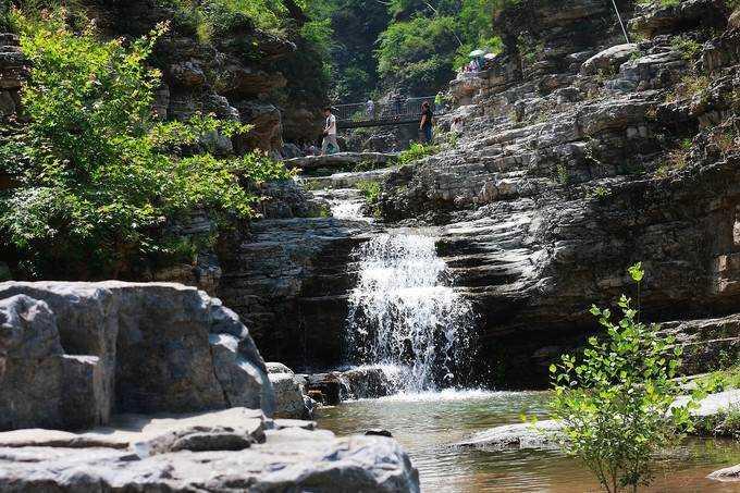 十渡孤山寨是国家4a级风景区十渡内最著名的一条大峡谷,深约10公里.