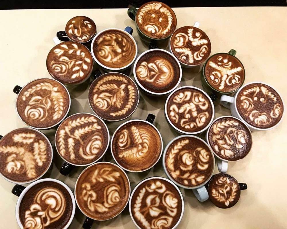 在咖啡上画上一幅图案,让咖啡除了口感,香气的别致外,再添加视觉的美