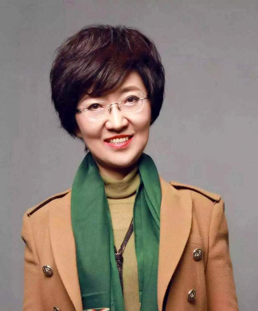 塔娜老师)并关注内蒙古精英沙龙微信公众平台(微信号