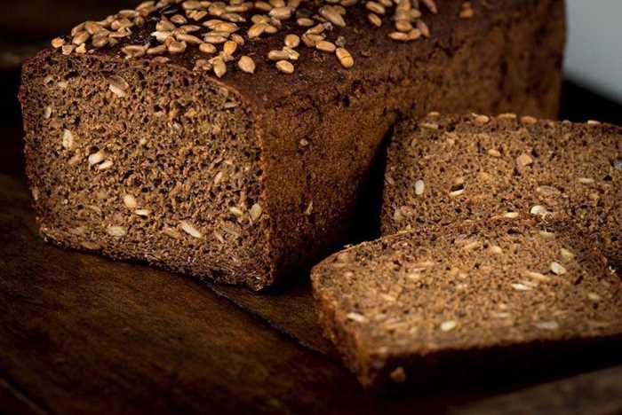 黑面包.jpg