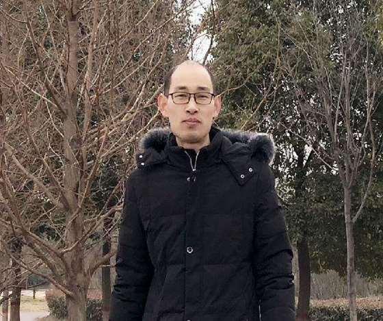王伟.png
