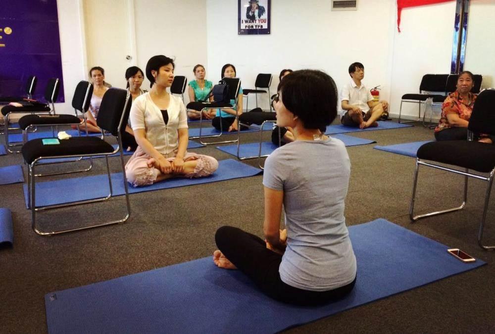 肩颈瑜伽体验课图片