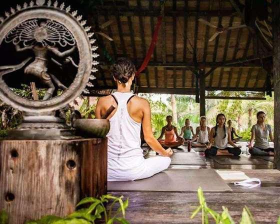 瑜伽-冥想 文化在巴厘岛盛行.jpg