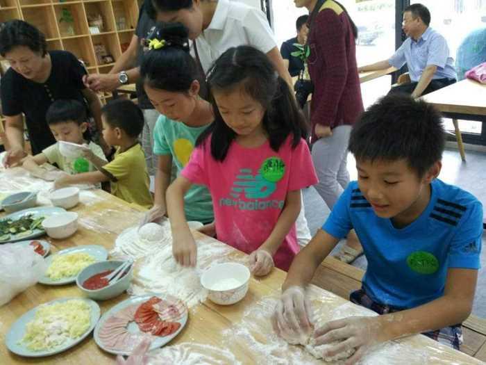 2016年9月11日自然食育课:香草披萨.jpg