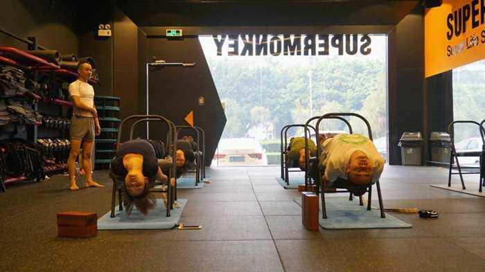场健身_每周一场健身趴,脱脂 x 脱单 | 11.25 瑜伽大法好!