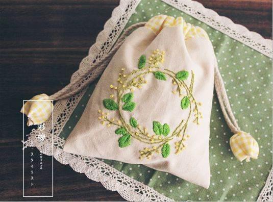 欧式刺绣束口包带回家