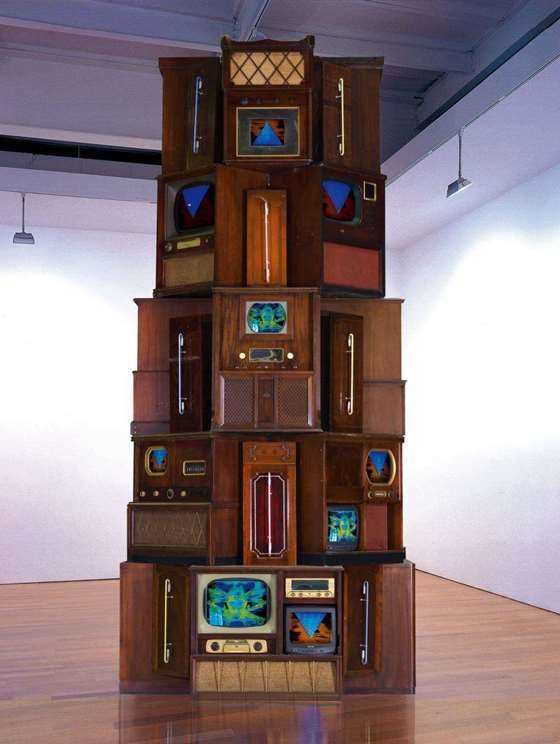 1_Nam June Paik, Tower, 2001, 475x220x220cm_meitu_3.jpg