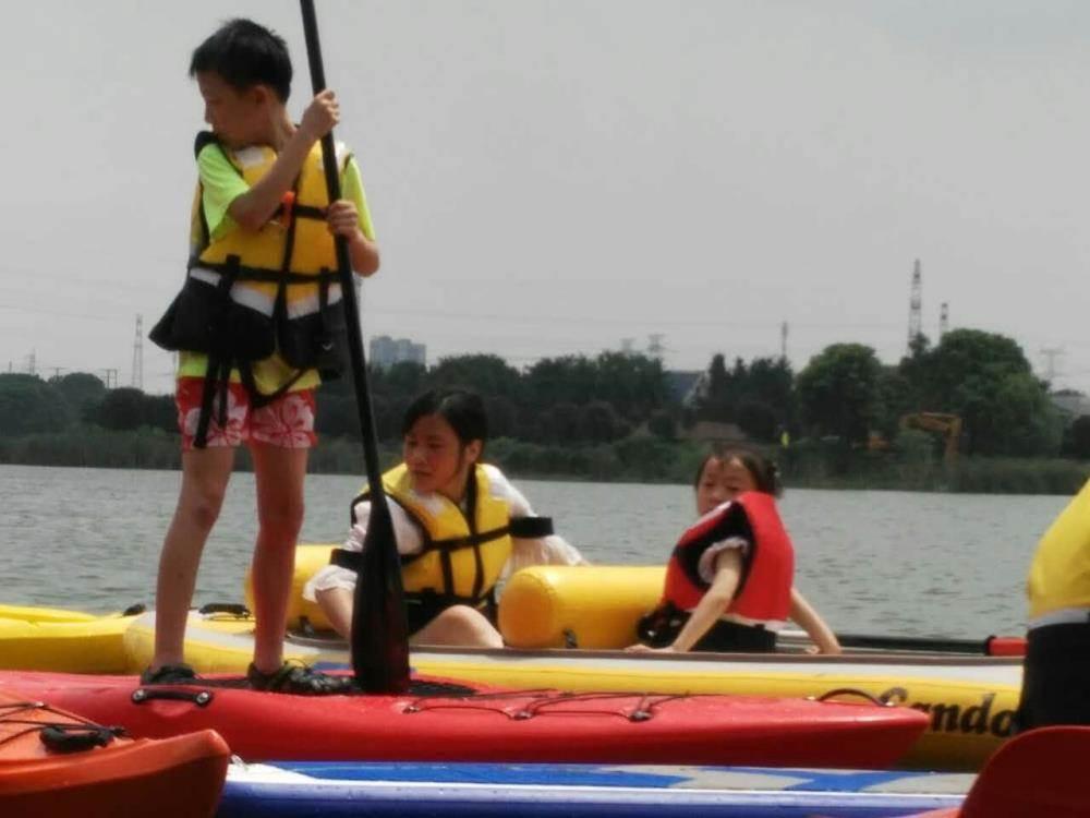 让我们推开双桨,脚丫儿荡起毽球~和小要领去东湖v双桨皮划艇+sup浆板吧波浪平堆球小艇动作图片