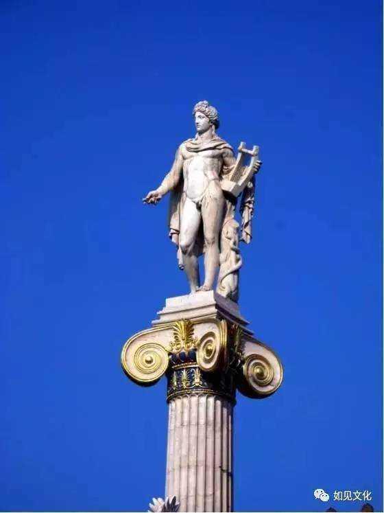 希腊神话中记载,赫尔墨斯用龟壳,羊肠和牛角发明出了里拉琴,并且作为图片