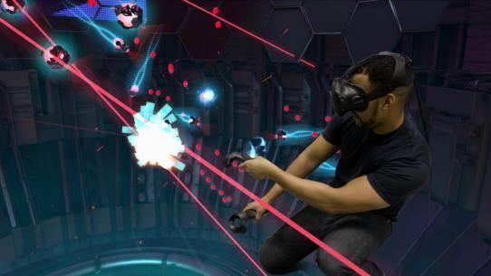 時光未至 未來已來一場 VR 饕餮盛宴火爆襲蘇  體驗高科技帶來的樂趣之余,巡回競技找到 VR 體驗的王者  你是VR游戲愛好者么,我們在這等你來戰! 一、VR黑科技之旅 1、VR初體驗: 現場關注賽格橙果微信,即可免費體驗VR,時間為3分鐘-5分鐘(以指定游戲種類和玩家水平為主)。