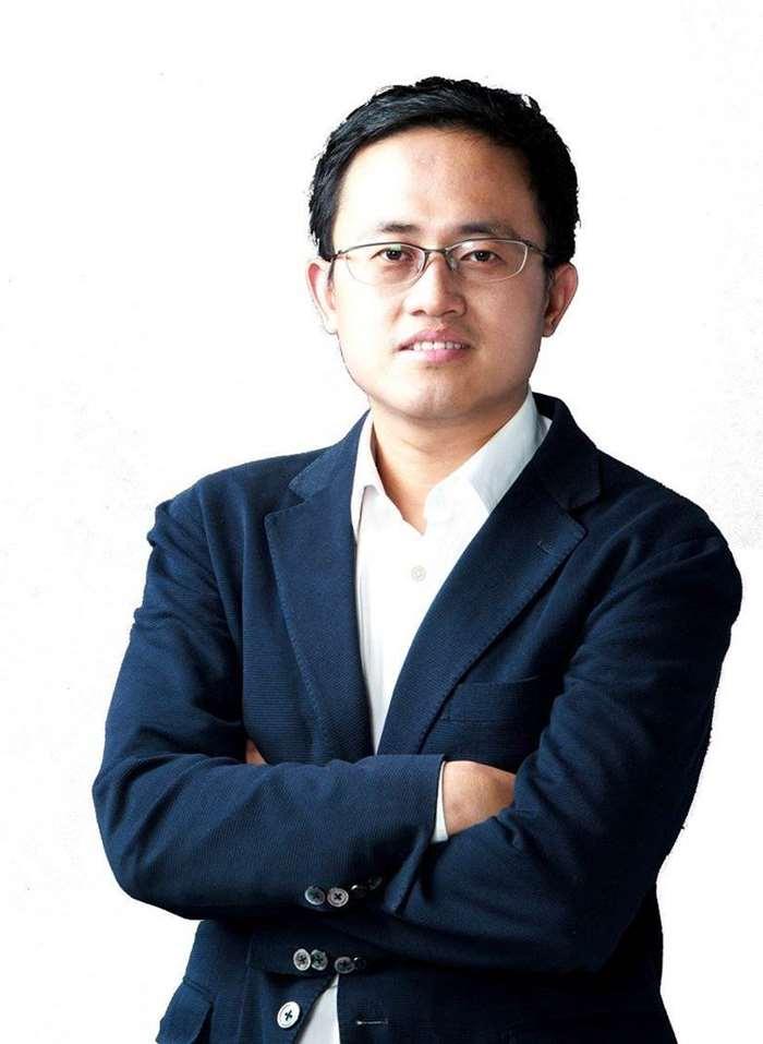 周炜 Wei Zhou.png
