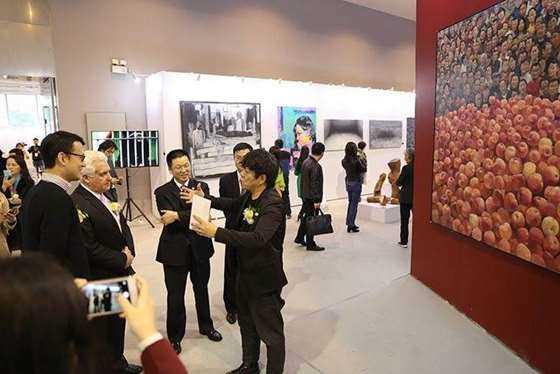 第五届广州大艺博现场来宾2.jpg