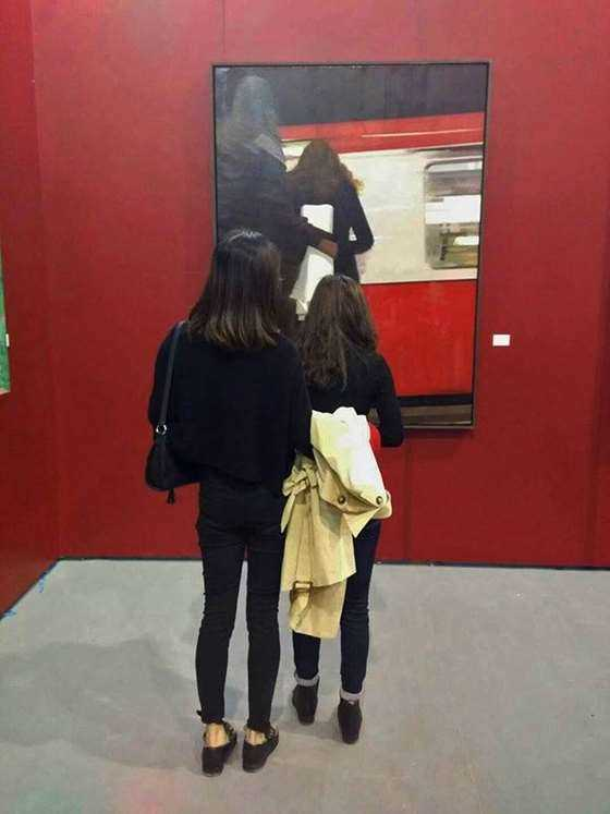 第六届广州大艺博西安美术学院师生展示专区观展现场.jpg