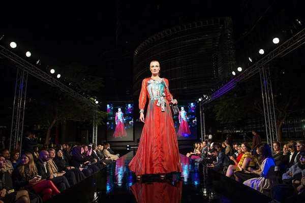fashion-show-1746579_960_720.jpg