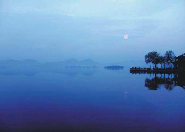 平湖秋月.jpg