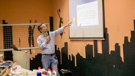 Shanghai Meetup (2 sur 1).jpg