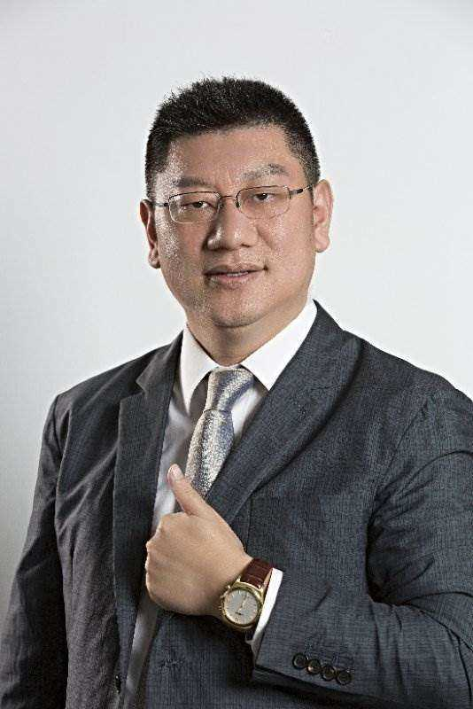 刘志彬(亿能).jpg