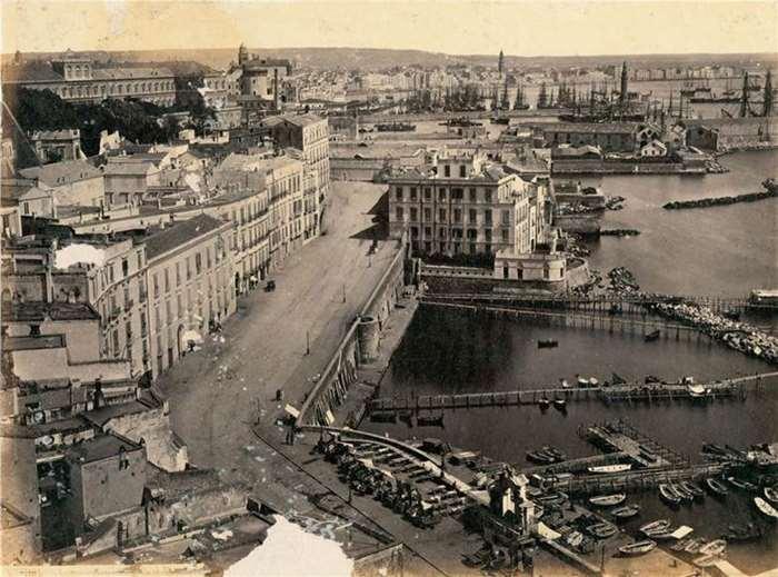 175 那不勒斯港  19世纪90年代  意大利.jpg