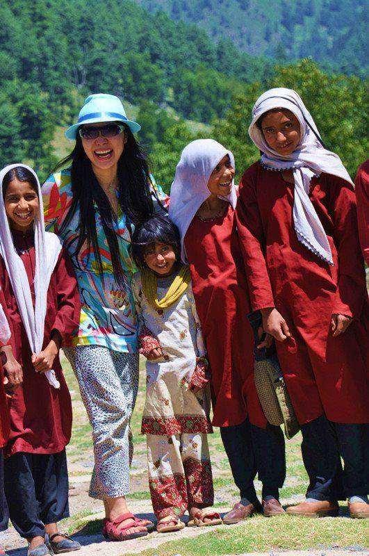 去印度克什米尔吉普赛人的村庄小学做采访_副本.jpg