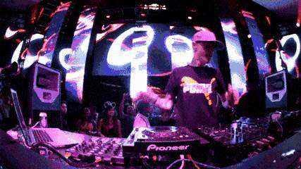 DJ.gif