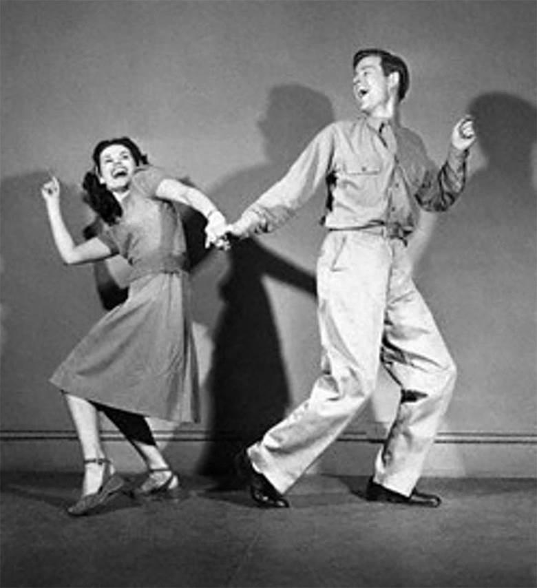 64d20680_vintage_dancers.jpg