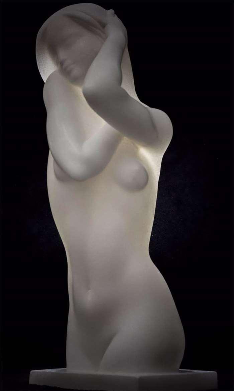 何锦华《蓝调》20×18×49cm,汉白玉,2007 (1)_副本.jpg