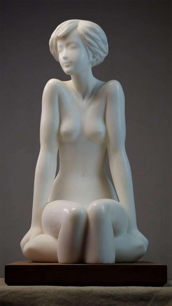 何锦华《清风-涟漪》32×32×60cm,汉白玉,2004 (1)_副本.jpg