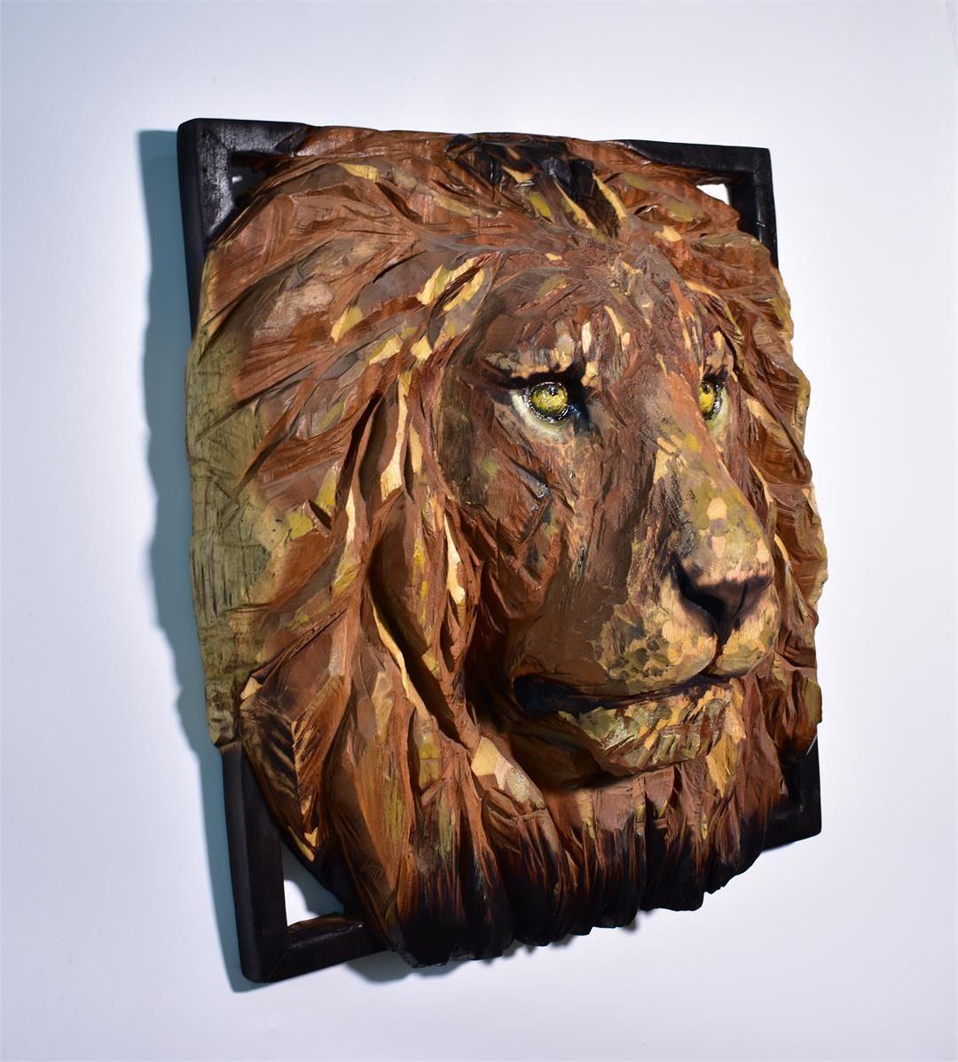 张敏丹《雄狮》木头 61x25x67cm 2020年 (2)_副本.jpg