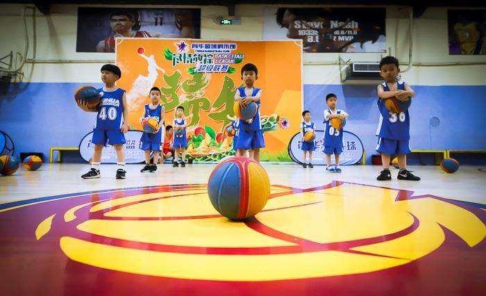 动感篮球表演.jpg
