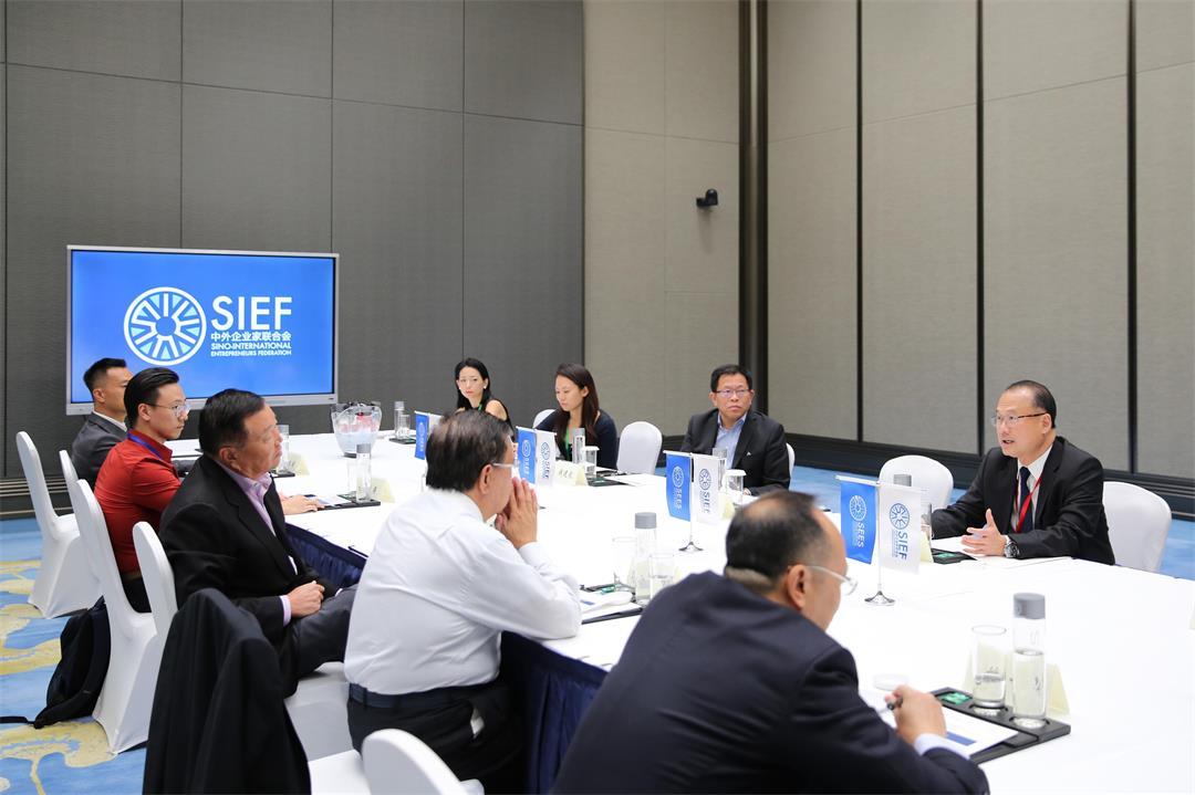 L-D1-2-中外企业家联合会闭门理事会-114.jpg