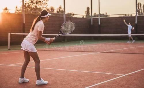 打网球.jpg