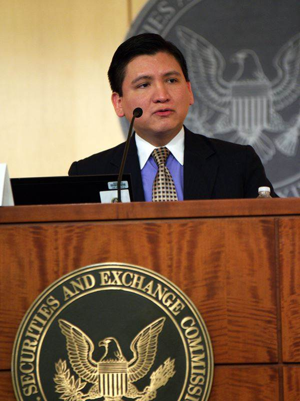 Edgar Perez - Securities and Exchange Commission (Washington DC, US).jpg