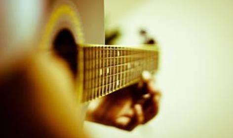 学习六线谱(吉他谱) 4,歌曲弹唱 a.