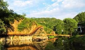 漫步神堂峪山水栈道,在山间野趣中自由穿行