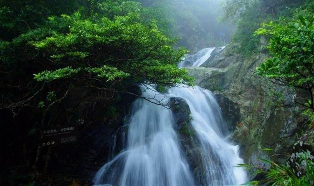 壁纸 风景 旅游 瀑布 山水 桌面 1200_711