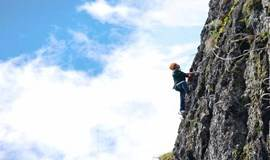 【活动●周末】8.05日周六乐佛山【飞拉达-绝壁上的舞者-挑战自我】攀岩+漂流行摄1日游