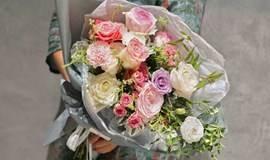 99元用12种玫瑰做成花礼带回家(附赠高品质甜点&咖啡)