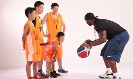 【36校区可选】一边打篮球,一边学英文,让外教给孩子一个全新的篮球课堂