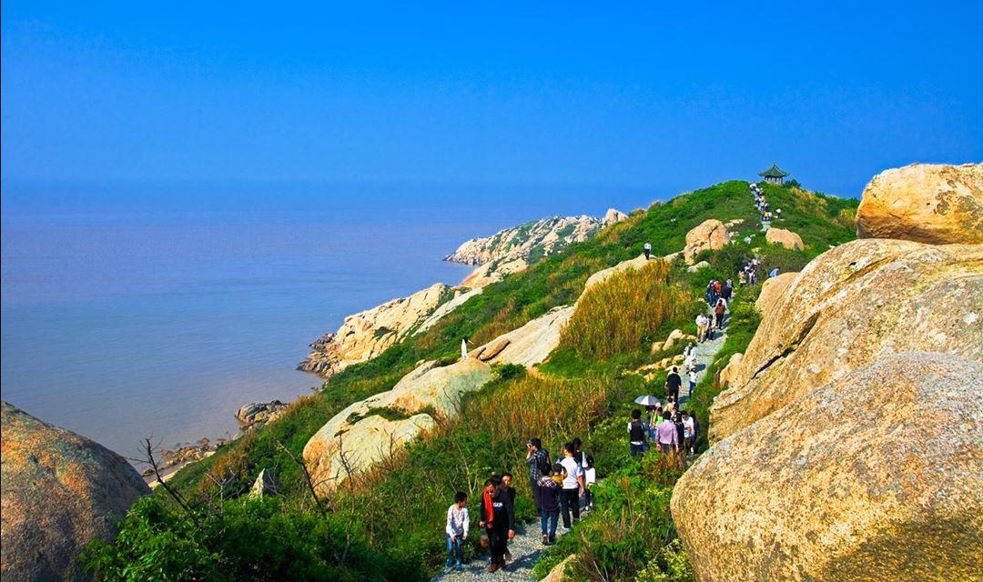 【周末-已成团】漂洋过海去小洋山岛,徒步海上小黄山,看离岛海角风光( 1天)