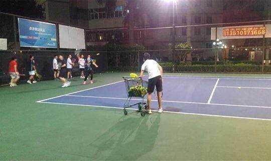 深圳网球培训-打网球让我们一起挥洒汗水吧!