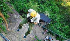 「地心游记」6.17-18纪龙山探险·豹子崖攀爬·探秘卧龙洞·大岩壁速降·烧烤篝火完美2日