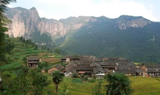 远离城市的山村,神仙居所,攀登公盂背,寻访古村仙境