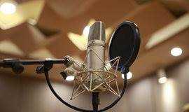 一起来录音棚录歌吧~圆自己一个音乐梦!