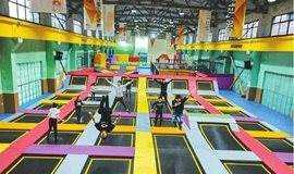 已成型 周六/周日 京郊超人空间蹦床,粘粘墙,魔鬼滑梯 等,一日室内活动