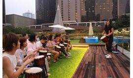 非洲鼓体验丨在胡同院子里敲打出动人节奏